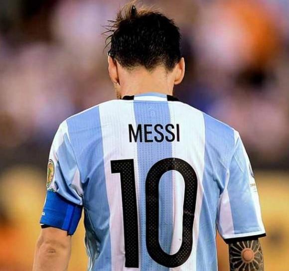 No renuncies: la emotiva carta de una maestra de primaria a Lionel Messi