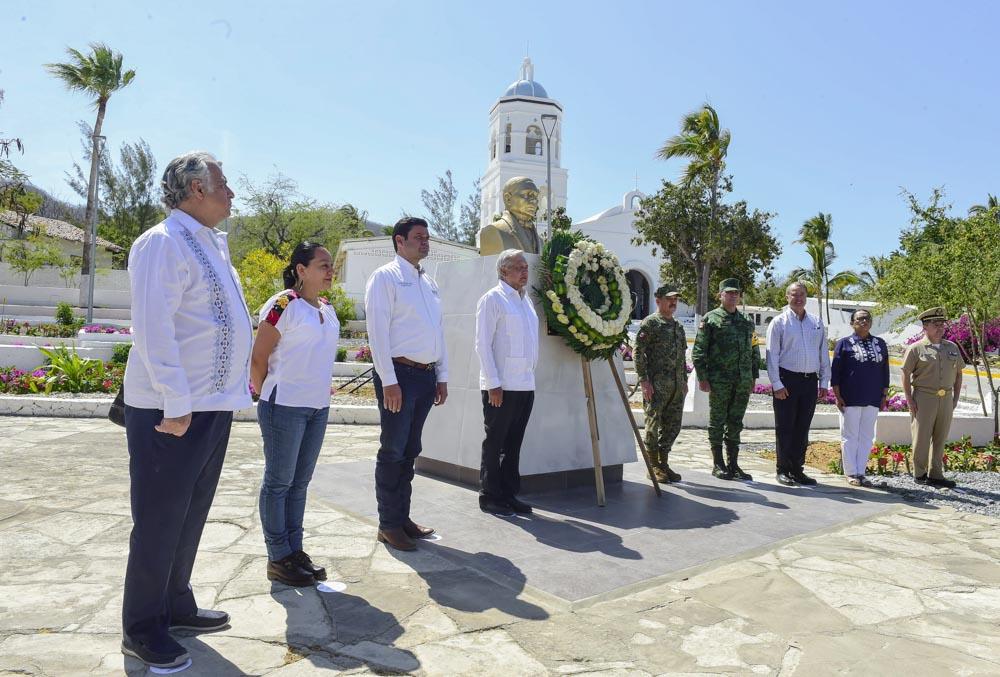 Presidente recorre Islas Marías rehabilitadas para recibir turismo